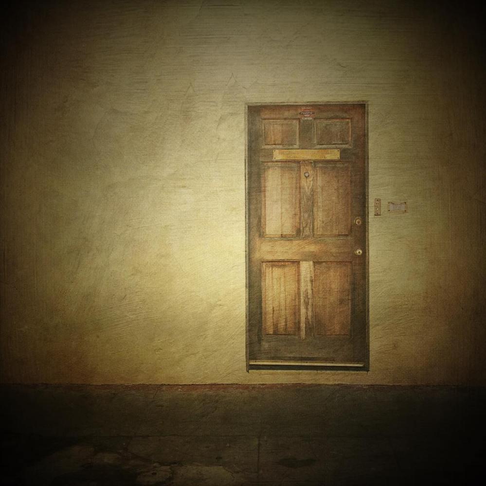 mmsfloatingdoor